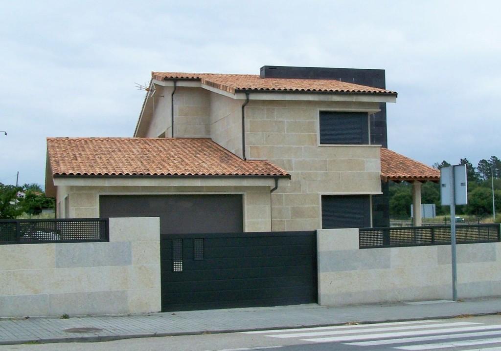 Unifamiliar en Ponte Noalla – San Cibrao de Viñas (Orense – España)