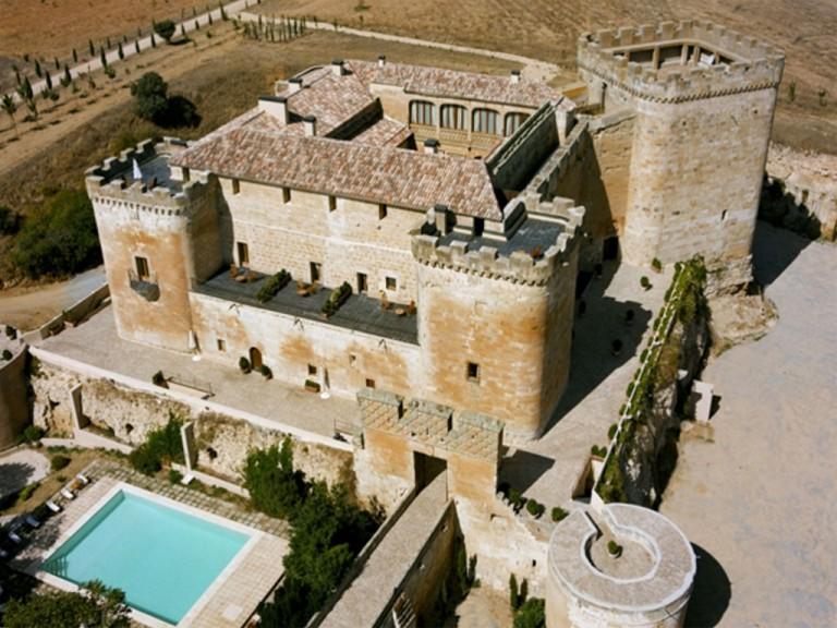 CastilloBuen20AmorTopas1.jpg
