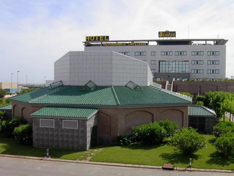 Hotel Simba con Tejas mixtas Esmaltadas Verde