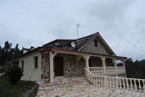 Unifamiliar con tejas mixtas Esmaltado Coñac | Tejas Borja