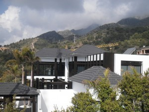 Proyecto con tejas Flat León – Marbella