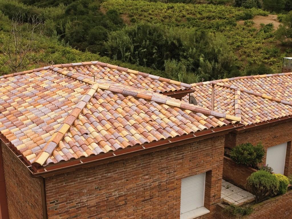 """Unifamiliar con tejado """"Inspiración"""""""